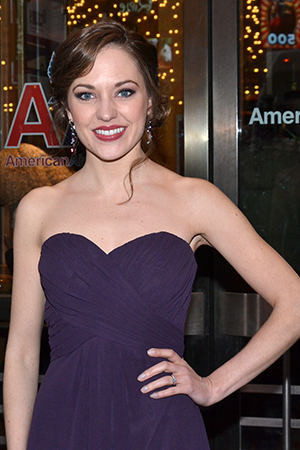 <p>Laura Osnes braves the New York chill to show off her pretty opening-night outfit.</p><br />(© David Gordon)