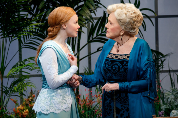 <p>Lauren Ambrose stars as Eliza Doolittle opposite Diana Rigg as Mrs. Higgins.</p><br />(© Joan Marcus)