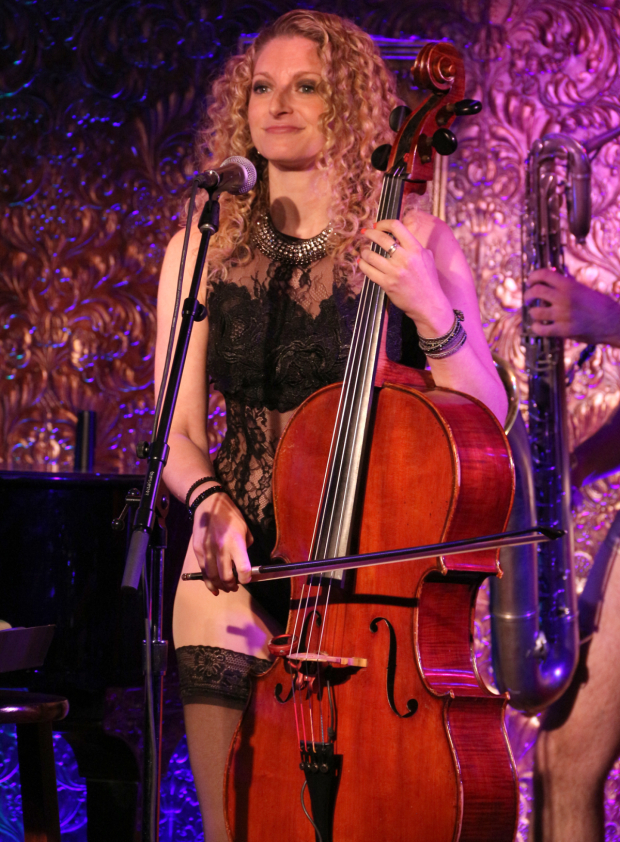 <p>Lauren Molina previews a number from the upcoming concerts by the Skivvies.</p><br />(© David Gordon)