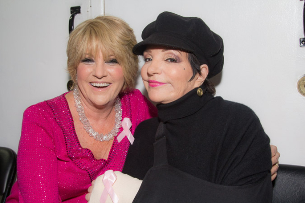 <p>Lorna Luft and her sister Liza Minnelli prepare for a night devoted to breast-cancer research.</p><br />(©Seth Walters)