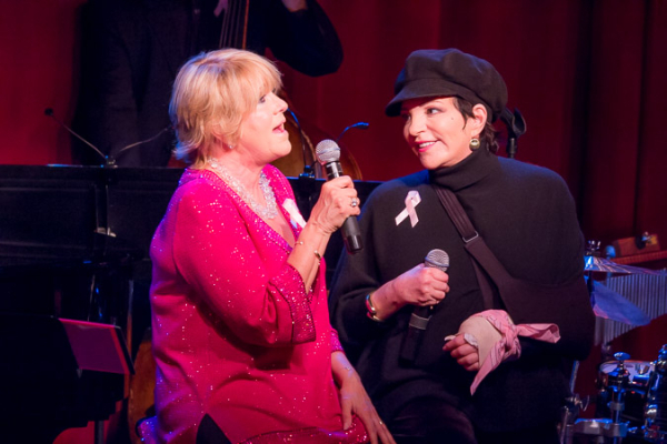 <p>Lorna Luft and Liza Minnelli sing a duet devoted to sisterhood.</p><br />(©Seth Walters)