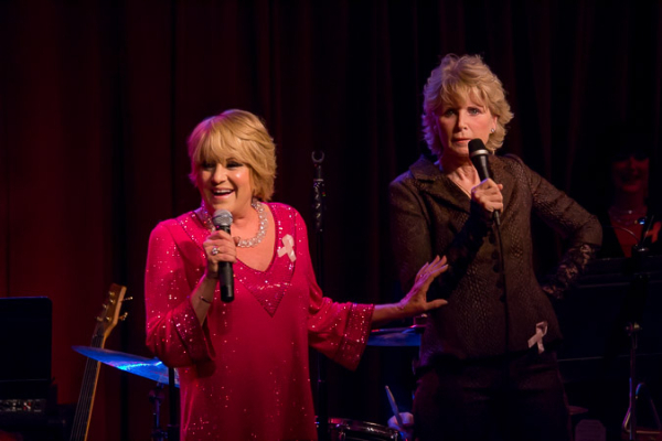 <p>Lorna Luft and Marcia Strassman inspire the crowd with their courageous spirit.</p><br />(©Seth Walters)