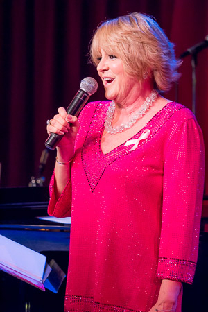 <p>Lorna Luft sings &quot&#x3B;Once in a Lifetime.&quot&#x3B;</p><br />(©Seth Walters)