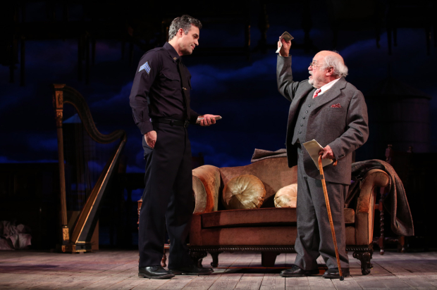 <p>Mark Ruffalo and Danny DeVito in a scene from Arthur Miller&#39&#x3B;s <em>The Price</em>.</p><br />(© Joan Marcus)