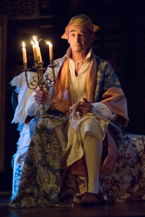 <p>Mark Rylance stars as Philippe V.</p><br />(© Joan Marcus)