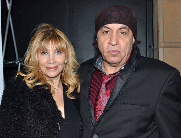 <p>Maureen and Steven Van Zandt spend date night together on Broadway.</p><br />(© David Gordon)