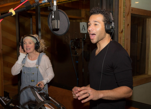 <p>Megan Lawrence and Corbin Bleu sing the music of Irving Berlin.</p><br />(© Seth Walters)