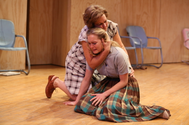 <p>Michele Pawk and Ginna Le Vine take the stage in <em>Picnic</em>.</p><br />(© Carol Rosegg)