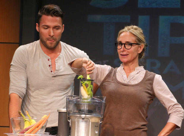 <p>Milton and Morgan present a scene from the off-Broadway production.</p><br />(© David Gordon)