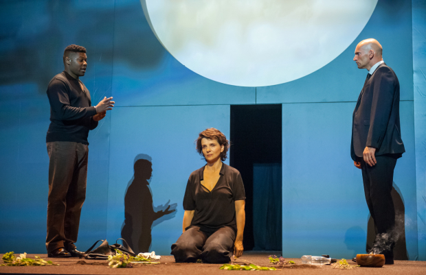 <p>Obi Abili as the Guard, Juliette Binoche as Antigone, and Patrick O&#39&#x3B;Kane as Kreon in Sophocles&#39&#x3B; <em>Antigone</em> at BAM.</p><br />(© Stephanie Berger)