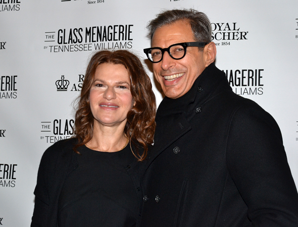 <p>Old pals Sandra Bernhard and Jeff Goldblum are among the evening&#39&#x3B;s guests.</p><br />(© David Gordon)
