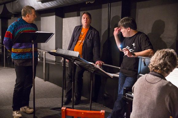<p>Olivier Award winner Philip Quast practices with Bryn Terfel, Alan Gilbert, and Grant Sturiale.</p><br />(© Chris Lee)