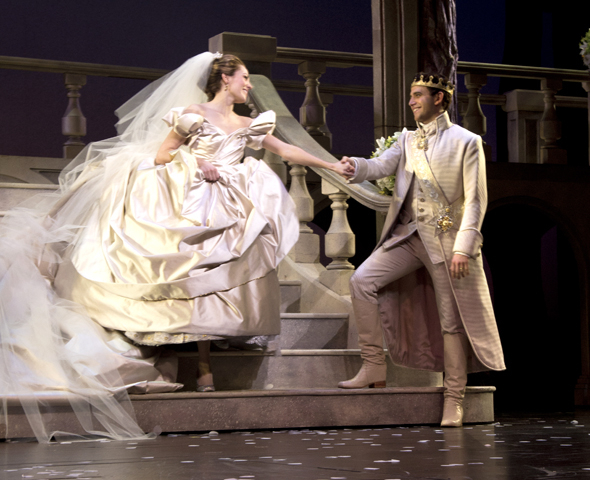 <p>Osnes and Fontana, as Ella and Prince Topher, take the stage in the production&#39&#x3B;s final moments.</p><br />(© David Gordon)