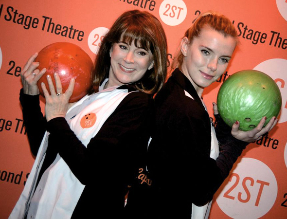 <p>Patricia Richardson and Betty Gilpin are excited to bowl for a good cause.</p><br />(© Nessie Nankivell)