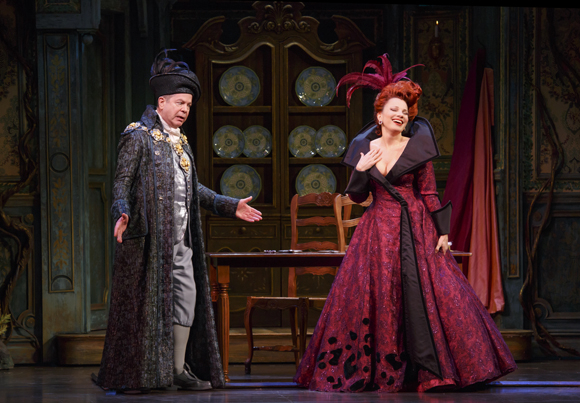 <p>Peter Bartlett and Fran Drescher share a delightful moment onstage.</p><br />(© Carol Rosegg)