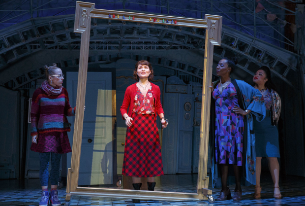 <p>Phillipa Soo takes center stage.</p><br />(© Joan Marcus)