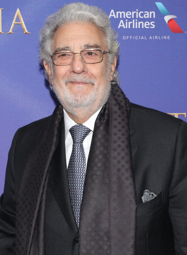 <p>Placido Domingo walks the red carpet.</p><br />(© David Gordon)