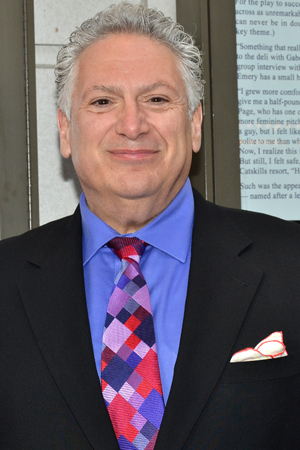 <p>Proud playwright Harvey Fierstein poses for photos before the show.</p><br />(© David Gordon)