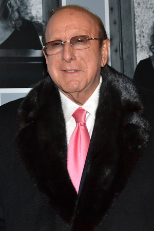 <p>Recording mogul Clive Davis is thrilled to celebrate one of the music industry&#39&#x3B;s best.</p><br />(© David Gordon)