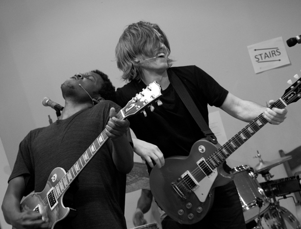 <p>Riabko rocks out with guitarist Daniel Woods.</p><br />(© David Gordon)