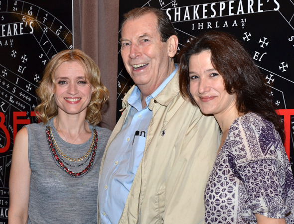 <p>Richard Easton (center) is surrounded by the production's lovely ladies, Anne-Marie Duff and Bianca Amato.</p>