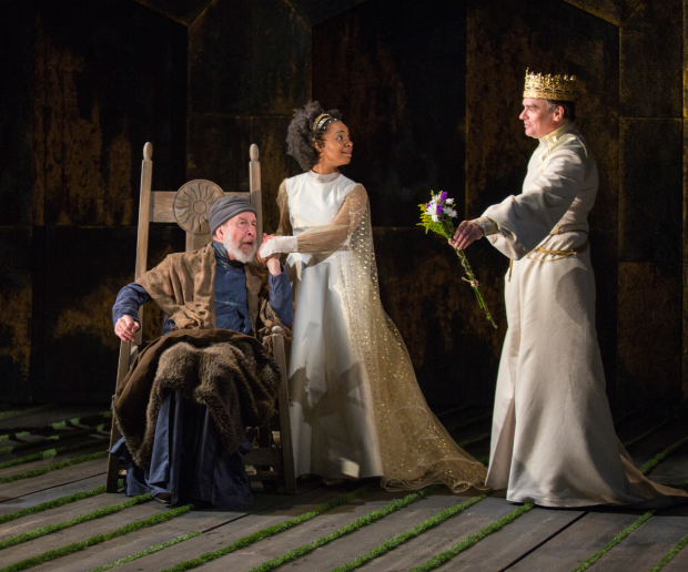 <p>Robert Sean Leonard&#39&#x3B;s King Richard II brings flowers for Charles Janasz as John of Gaunt and Nora Carroll as Queen Isabel.</p><br />(© Jim Cox)