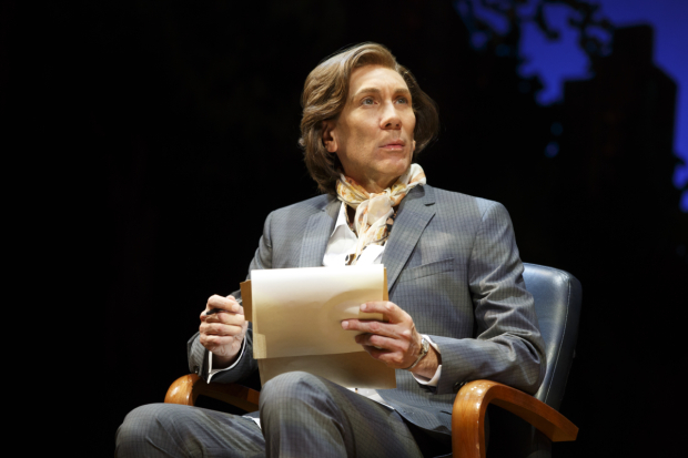 <p>Robert Sella also plays androgynous therapist Leslie.</p><br />(© Joan Marcus)
