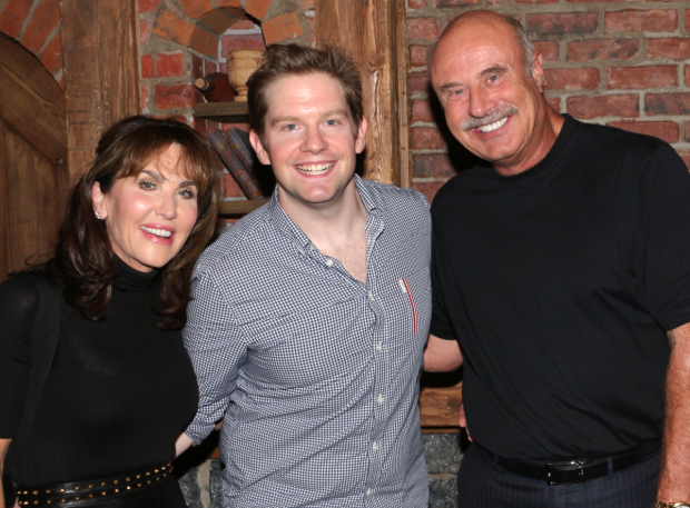 <p>Rory O&#39&#x3B;Malley gives a kingly welcome to Robin and Phil McGraw.</p><br />(© David Gordon)