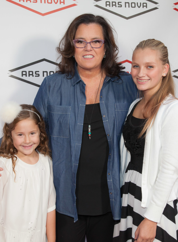 <p>Rosie O&#39&#x3B;Donnell arrives for the show with her daughters.</p><br />(© Seth Walters)