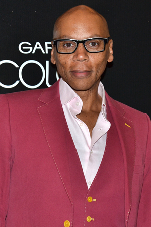 <p>RuPaul is thinking pink on opening night.</p><br />(© David Gordon)