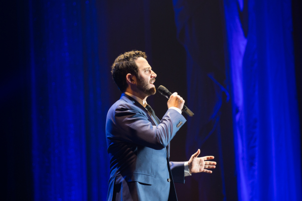 <p>Santino Fontana sang for the crowd.</p><br />(© Kelly Kollar)