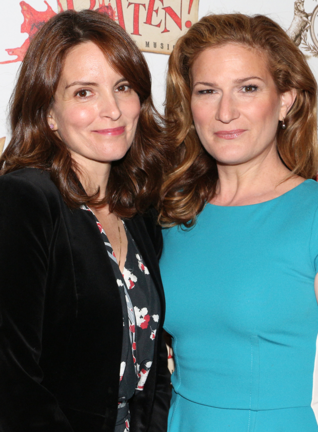 <p><em>Saturday Night Live</em> favorites Tina Fey and Ana Gasteyer walk the red carpet together.</p><br />(© David Gordon)