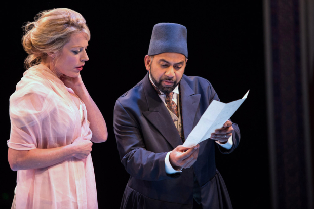 <p>Sherie Rene Scott as Gertrude and Ajay Naidu as Polonius share a scene.</p><br />(© Eric Michael Pearson)