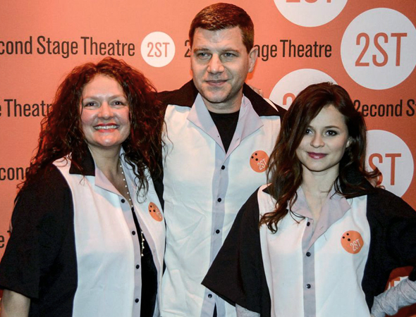 <p><em>Sopranos</em> star Aida Turturro (left) and world-class figure skater Sasha Cohen (right) are joined for a photo by celebrity blogger Tom Murro.</p><br />(© Nessie Nankivell)