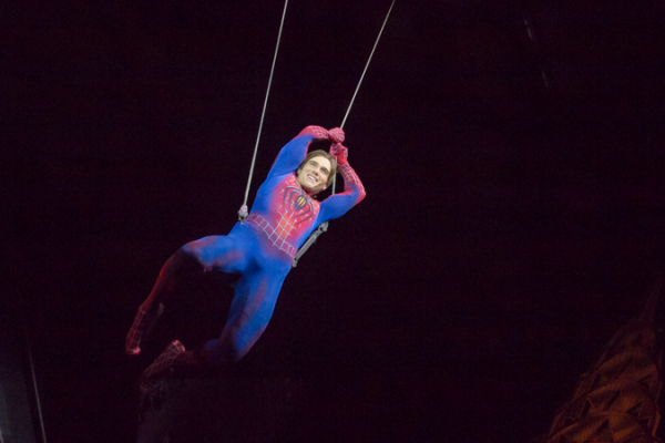 <p>Spider-Man takes his final flight around the Foxwoods Theatre.</p><br />(© Seth Walters)