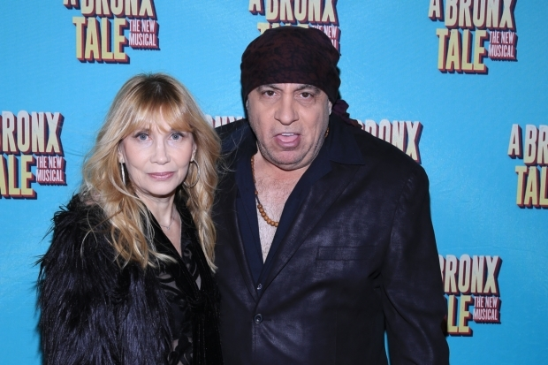 <p>Steve Van Zandt snaps a photo with his wife, Maureen.</p><br />(© Tricia Baron)