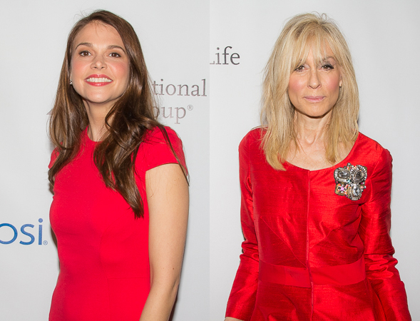 <p>Sutton Foster and Judith Light dazzle in red.</p><br />(© Seth Walters)