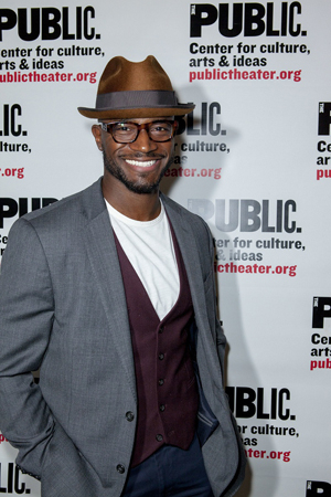 <p>Taye Diggs goes stag for the evening.</p><br />(© David Neff)