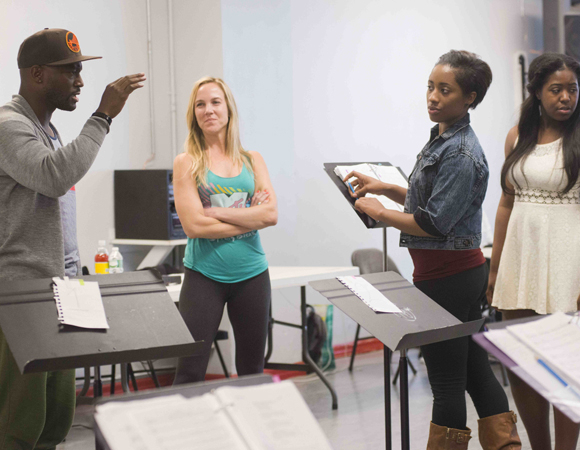 <p>Taye Diggs rehearses with his cast.</p><br />(© Monica Simoes)