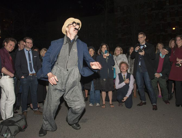 <p>That didn&#39&#x3B;t stop Bill Irwin from clowning around to entertain guests.</p>