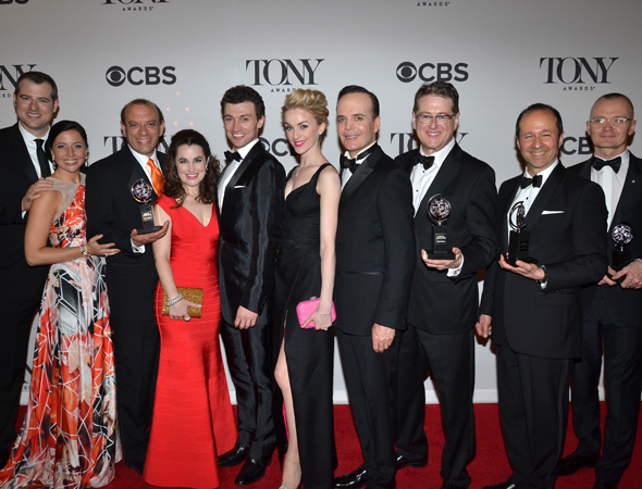 <p>The cast and creative team behind this year&#39&#x3B;s Tony-winning Best Musical, <em>A Gentleman&#39&#x3B;s Guide to Love and Murder</em>.</p><br />(© David Gordon)