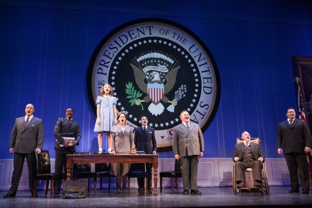 <p>The cast of <em>Annie</em> occupies the White House.</p><br />(© Evan Zimmerman)