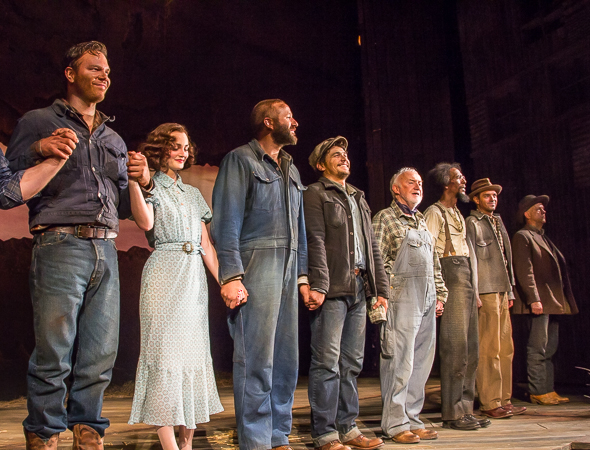 <p>The cast of <em>Of Mice and Men</em>.</p><br />(© Seth Walters)