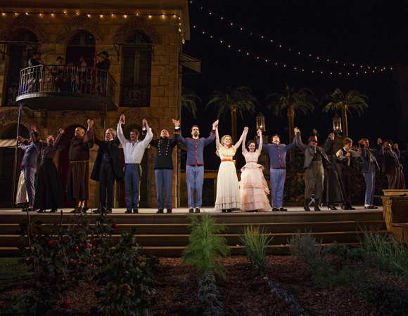 <p>The cast takes a bow.</p><br />(© Joan Marcus)