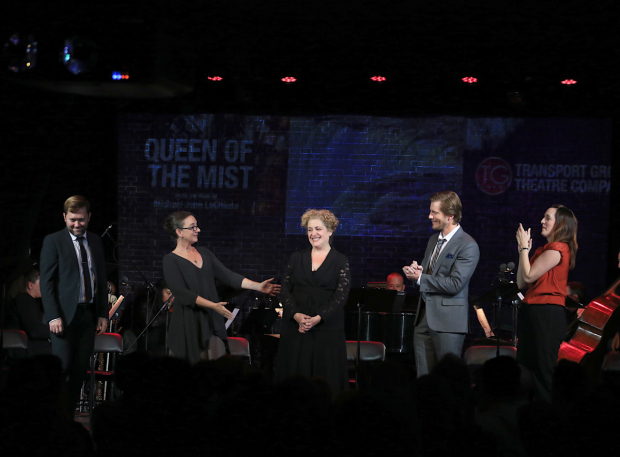 <p>The cast takes its bow.</p><br />(© Tricia Baron)