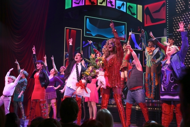<p>The company joins together for the final moments of the show.</p><br />(© Tricia Baron)