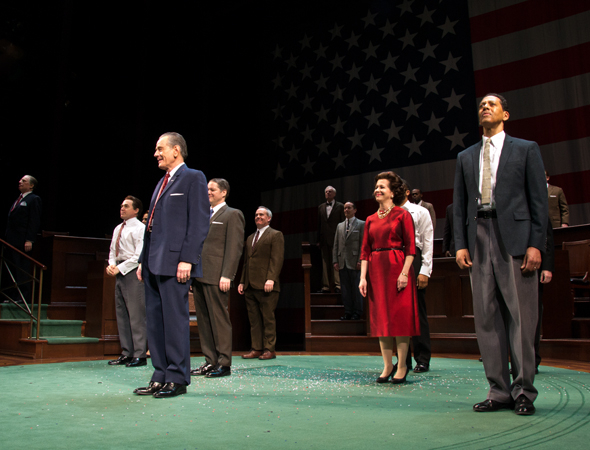 <p>The company takes a bow.</p><br />(© David Gordon)
