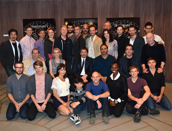 <p>The full cast of Broadway's <em>Macbeth</em>.</p>
