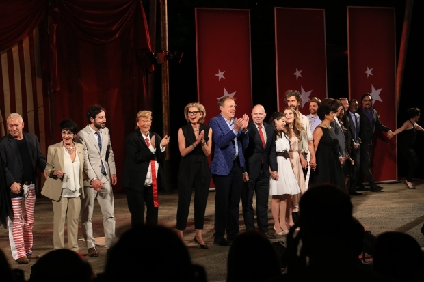 <p>The one night only <em>United States of Shakespeare</em> event served as the Public Theater&#39&#x3B;s annual gala.</p><br />(© Tricia Baron)
