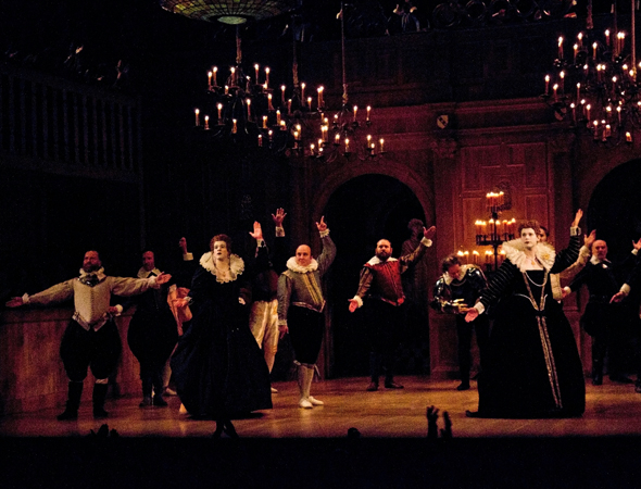 <p>The scene at curtain call for <em>Richard III</em>.</p><br />(© David Gordon)